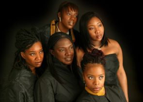 Black Voices Foto 3